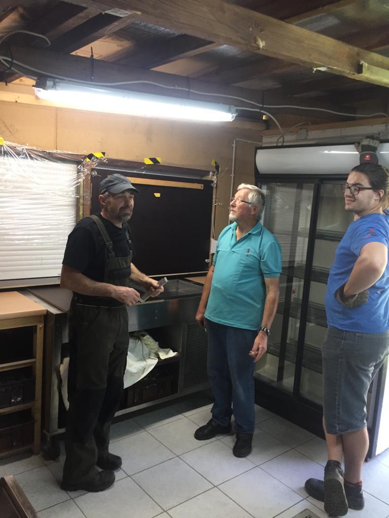 Besprechung und Begutachtung des Wasserschadens im Kassenhaus